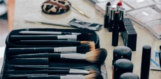 problems of applying makeup in india brushes