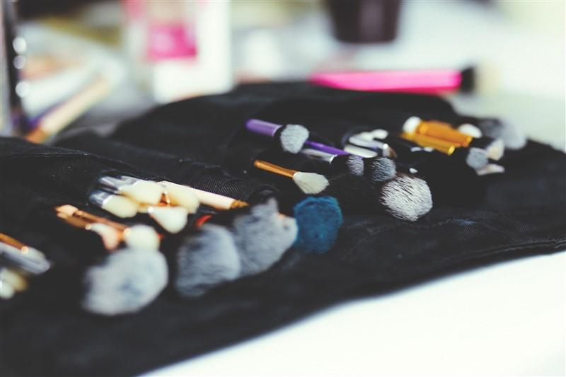 makeup-tools-beauty